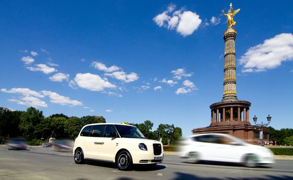 The TX plug-in taxi from LEVC arrives in Berlin / CREDIT: LEVC