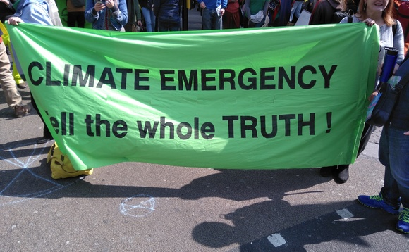Alarm bells: Government resists calls for climate emergency ahead of latest protests