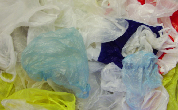Five pence charge prompts UK plastic bag use to plummet