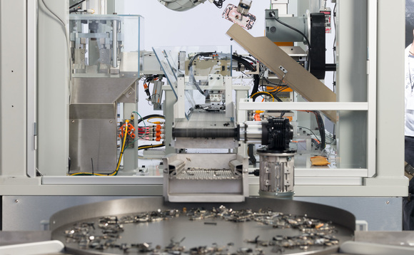 Apple's Daisy recycling robot