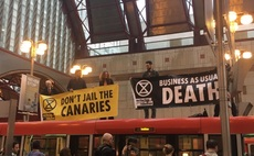 Extinction Rebellion targets financial sector ahead of 'closing ceremony'
