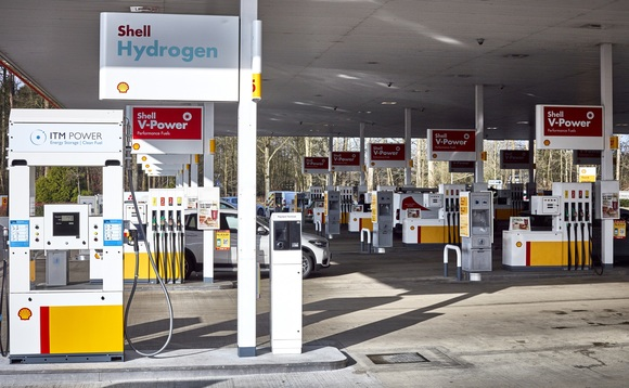 The Beaconsfield hydrogen pumps are co-located with diesel and petrol | Credit: Shell
