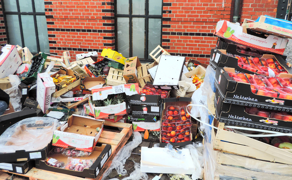 UK supermarkets throw away 250,000 tonnes of food every year. Image: Incisive Media