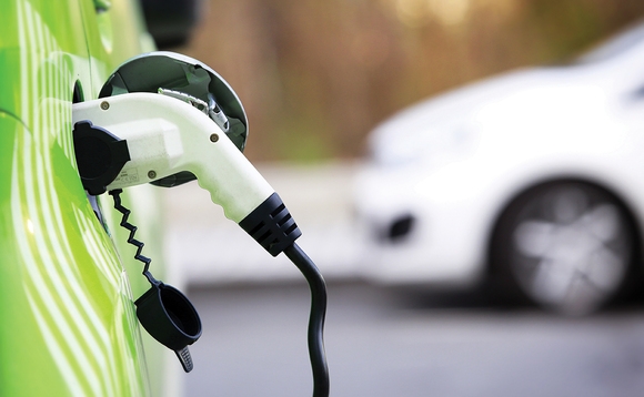 Survey: EV drivers rarely use public recharging points