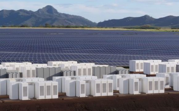 Tesla powers up pioneering Hawaii solar storage project