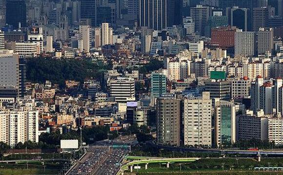 New South Korean President launches coal pollution crackdown