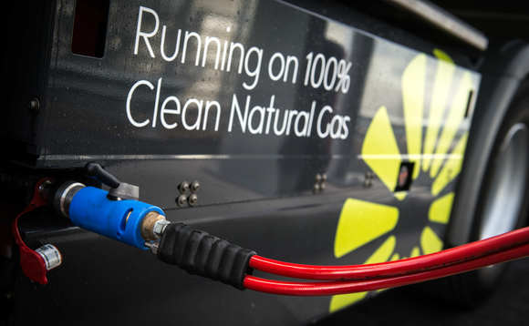 Truck refuelling with biomethane