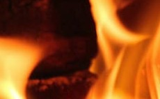 Government announces crackdown on polluting home fireplace fuels