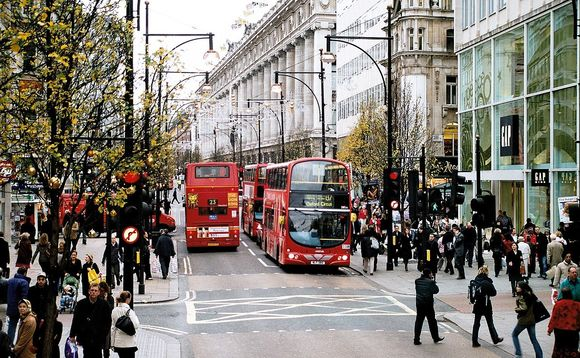 Oxford Street is a major air pollution hotspot in London | Credit: Ysangkok