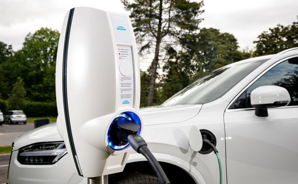 The government wants to make it easier to charge EVs