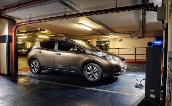 Uk government promised to plough £400m in public private funding into electric vehicles