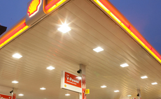 Shell to offer drivers carbon offsets at 'no extra cost'