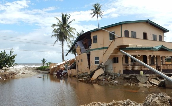 Extreme weather wreaks $25bn of damage for insurers in 2015