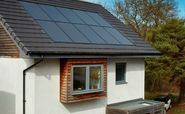 Booming UK renewables industry still at risk of missing net zero targets