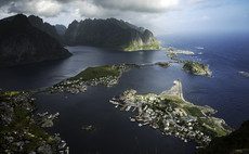 Norway's oil industry suffers offshore drilling setback